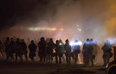 Congress Will Review the Transfer of Military Weapons to Police Forces After Ferguson