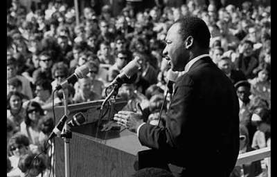 What Would Dr. King Do? As US Moves to Bomb Syria, Tavis Smiley on MLK's Anti-war Legacy