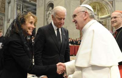 Pope Exhorts Catholic Geeks to Rescue ACA