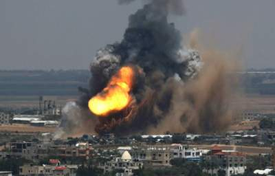 Israel Bombs Gaza Back to Stone Age, Razes Only Power Plant and Plunges Strip Into Darkness
