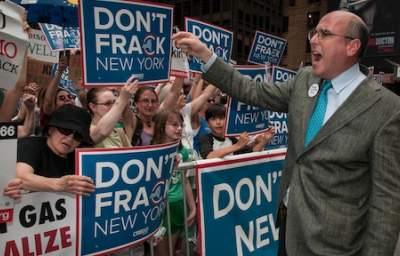 House Democrats Call on EPA to Investigate Fracking's Link to Water Contamination in Three States