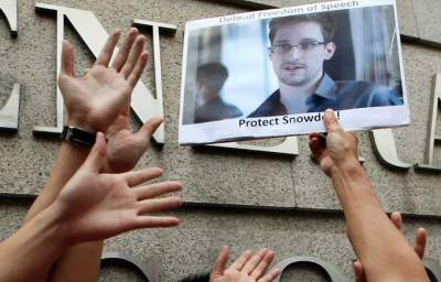 David Brooks, Tom Friedman, Bill Keller Wish Edward Snowden Had Just Followed Orders