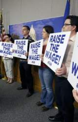 Minnesota Lawmakers Approve Raising Minimum Wage