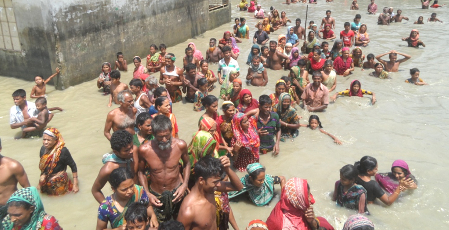 an examination of the plans of bangladesh on controlling its annual river flooding In response to severe flooding in 1954, 1955 and 1956, the united nations came up with a plan to provide flood control and increase the amount of land available for rice cultivation by adopting.